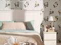 шведские обои с цветочками в спальной